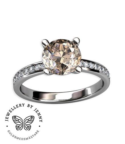champagnefärgad diamant